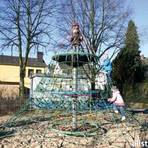 Huck Seilnetz-Pyramide Dino 2