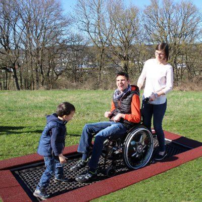 Trampoline für Menschen mit Behinderung