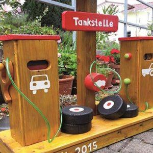 Spielplatzgeräte Tankstellen & Sonstige